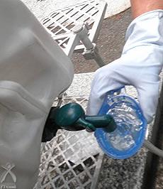 エリクサー浄活水器に流し込む