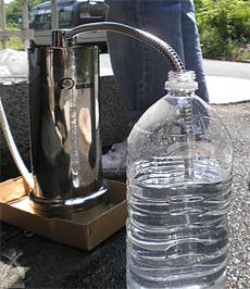 野池水を通水中 (毎分0.2L弱)