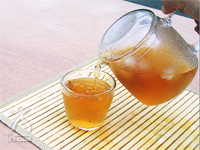 柿茶:柿の葉
