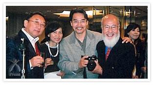 ダヴィンチの研究家でもある首藤尚丈氏(左端)。右はホリスティック医療で著名な寺山心一翁氏