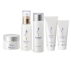 水を得た化粧品「月のしずく化粧品」