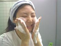 洗顔します。