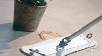 ダンプモップは、油汚れ、埃、雑菌(バクテリア)をきれいに拭き取ります。