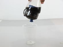 コーラを透明な水に変える、強力フィルター