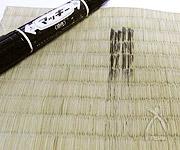 タタミの用心棒「椿三四郎」で拭き上げれると、マジックの汚れが落ちました!