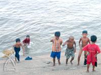 川遊び兼水浴び