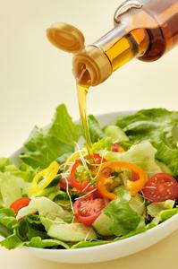 ごま油+レモン+塩でサラダのドレッシング代わりに