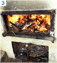 薪でじっくりと煮詰めます