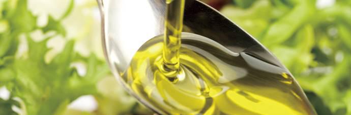 伝統の手絞り一番「玉絞め圧搾」でとれる「たなつもの油」