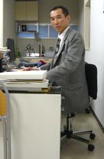 (株)岡田紙店 代表取締役社長 岡田 寛様